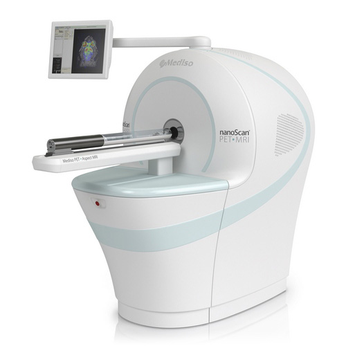 The first integrated preclinical whole-body PET/MRI with 700 μm PET and 100 μm MRI spatial resolution